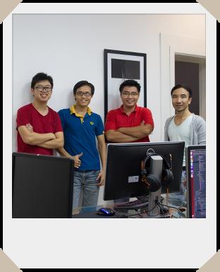 Teamfoto mit vier Personen